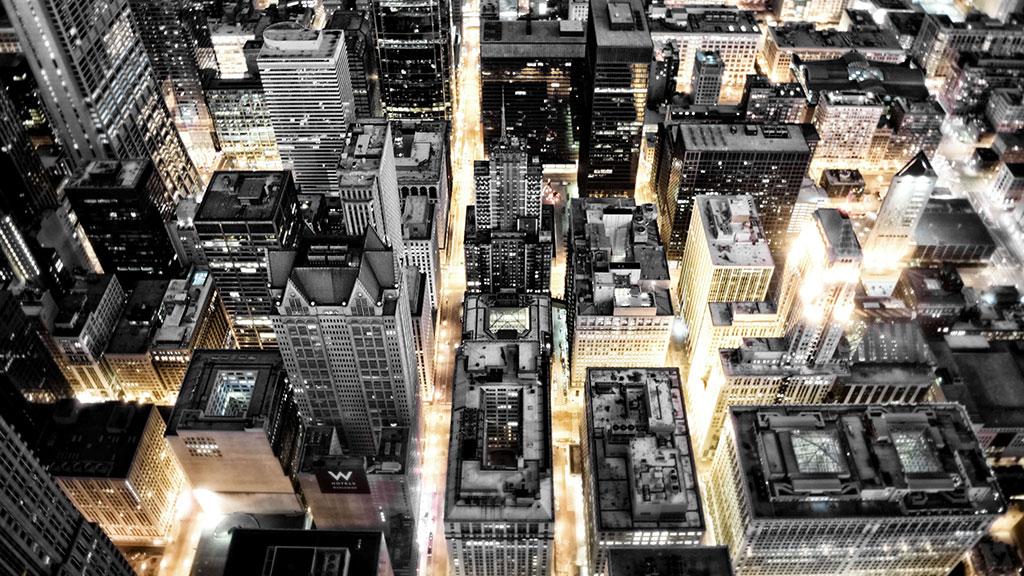 Wolkenkratzer bei Nacht von oben